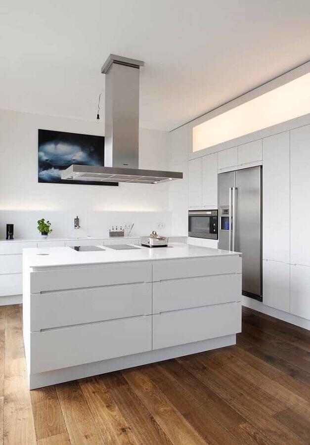 decoração moderna para cozinha com ilha toda branca Foto Assetproject
