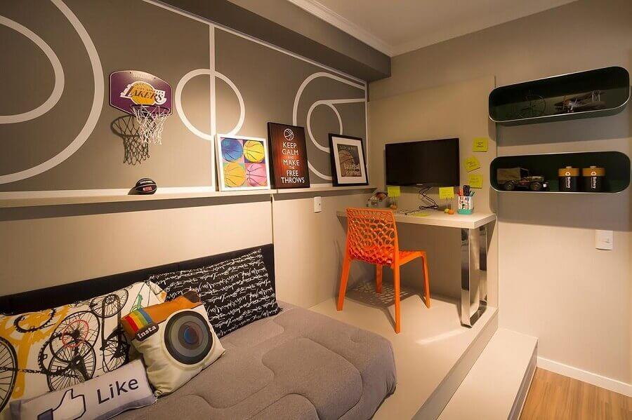 decoração moderna para quarto planejado com home office pequeno Foto Julia Pippi
