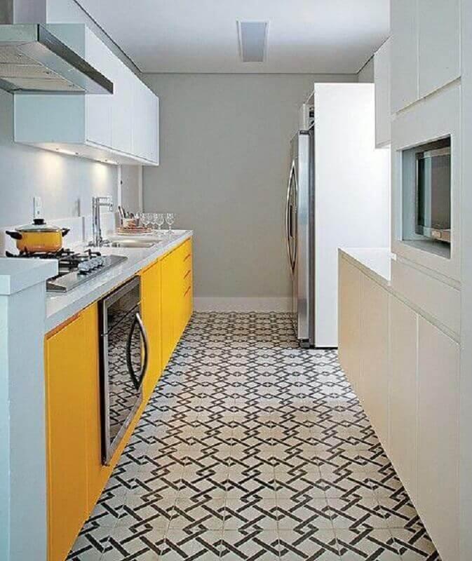 decoração para cozinha branca e mostarda Foto Casa Decorada