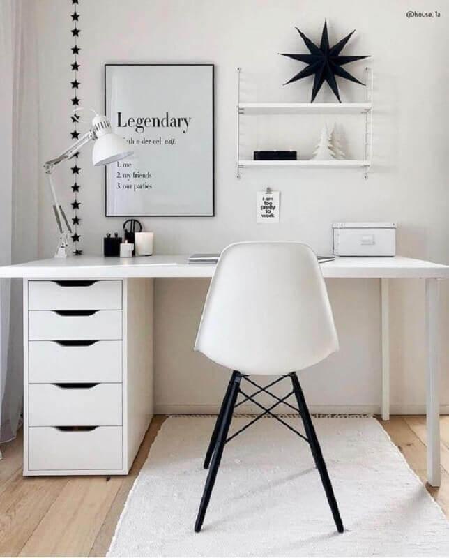 decoração para home office pequeno todo branco Foto Westwing Home & Living