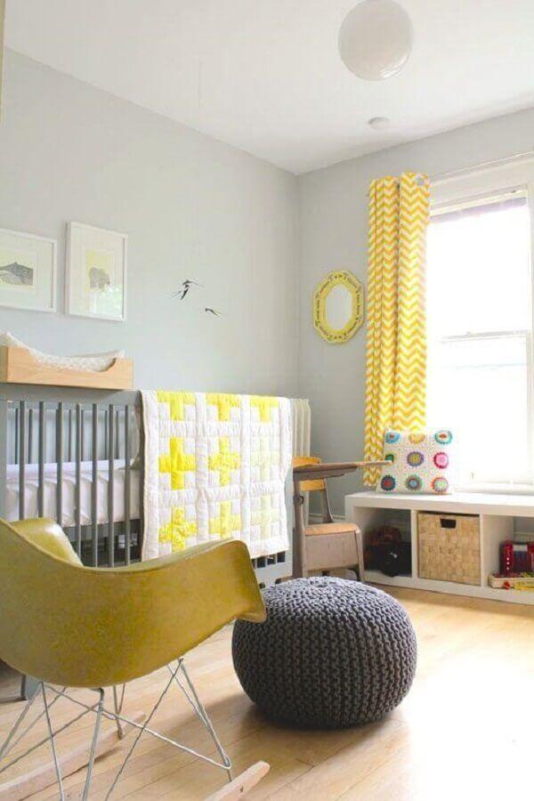 decoração para quarto de bebê amarelo e cinza Foto SuperMomRocks