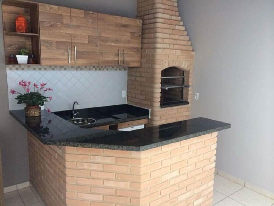 decoração simples para área gourmet pequena externa com churrasqueira Foto Pinterest