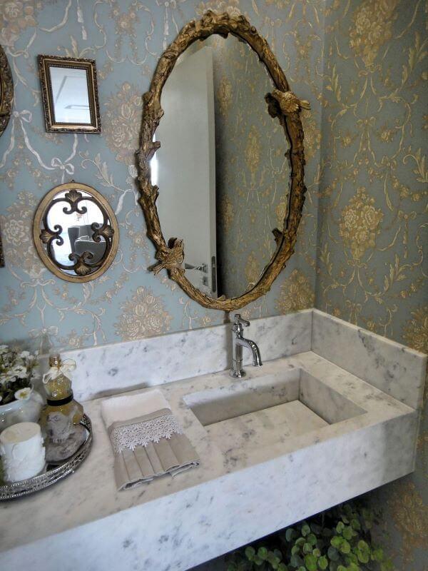 Decoração com lavabo e pia de mármore