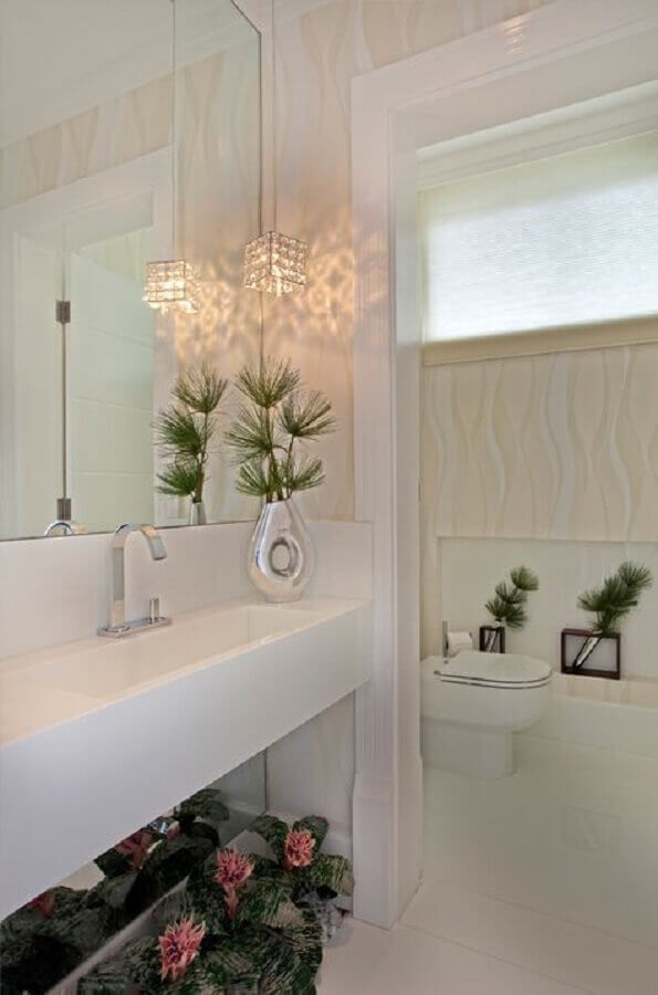 delicada decoração com lustre para espelho de banheiro Foto Decor Salteado
