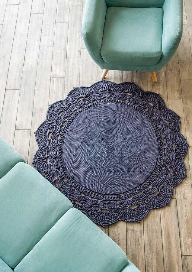 delicada decoração com tapete de crochê redondo para sala Foto Artesanato Passo a Passo
