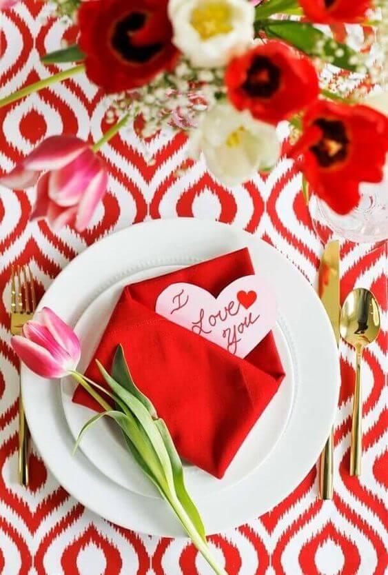 Ideias para dia dos namorados com decoração vermelha e rosa