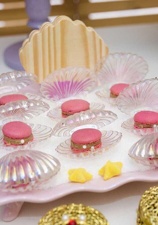 doces dentro de conchas decorativas para festa infantil sereia  Foto Zozu