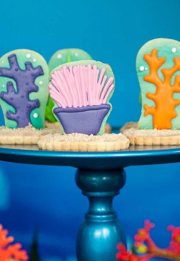 doces personalizados para decoração festa sereia Foto Assetproject