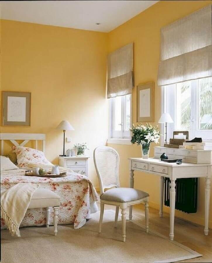 decoração clássica para quarto amarelo e branco feminino Foto Homewil