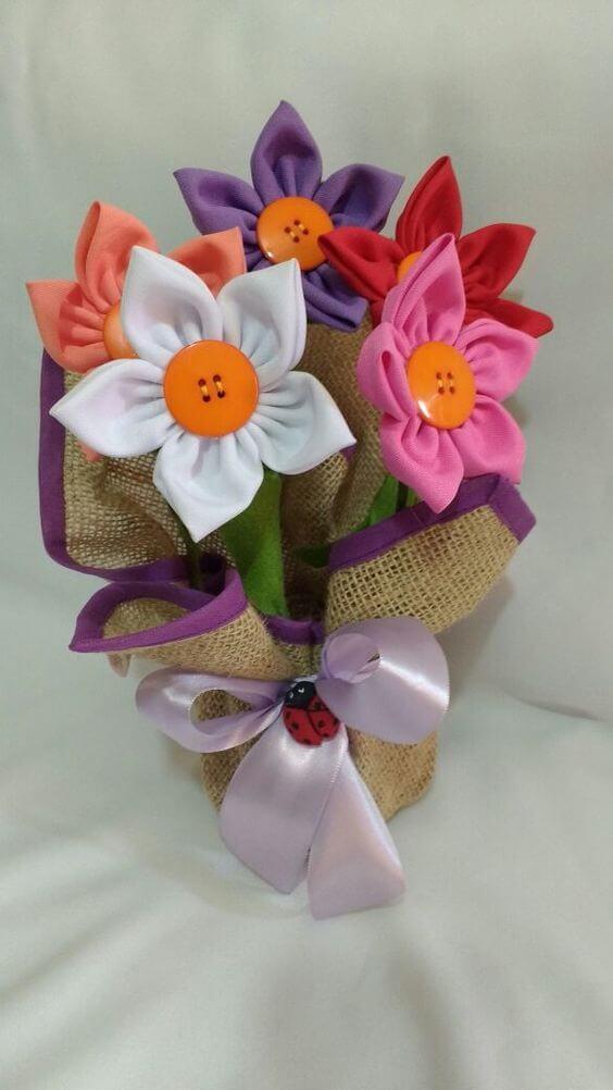 Como fazer flor de fuxico para decorar sua casa