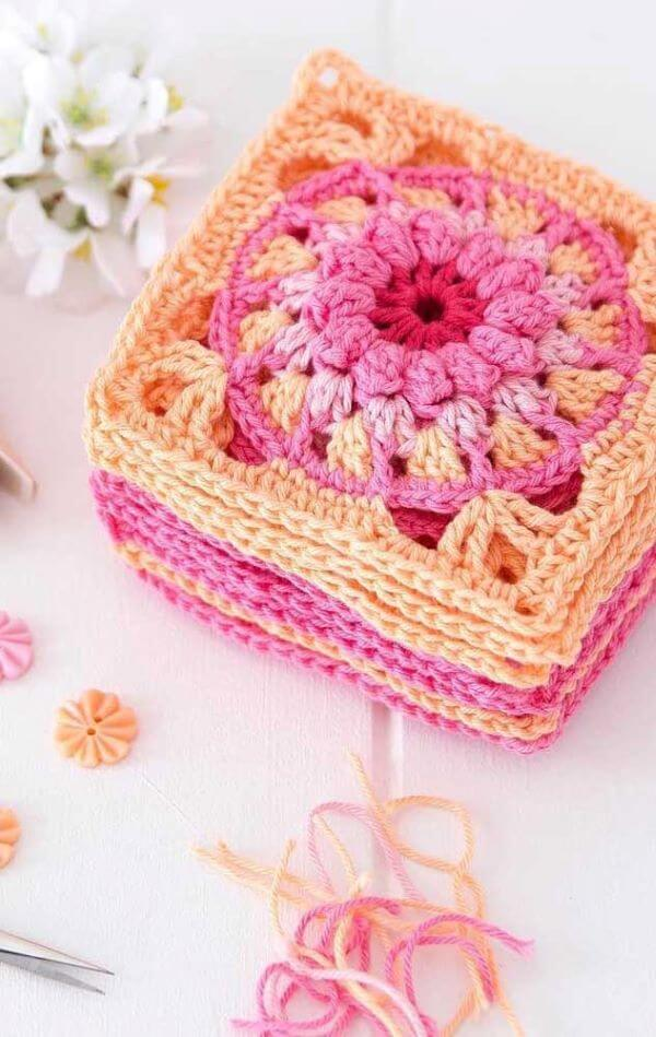 Guardanapo de crochê pequeno e colorido
