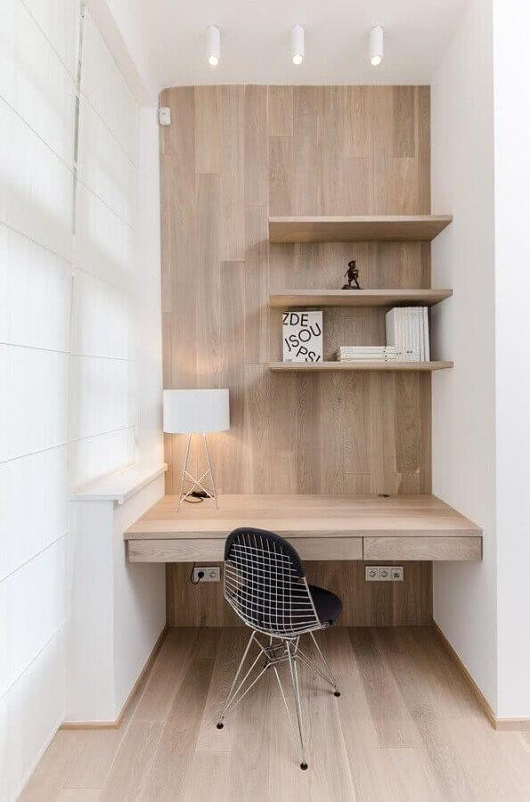 home office pequeno planejado todo em madeira Foto Frenchy Fancy