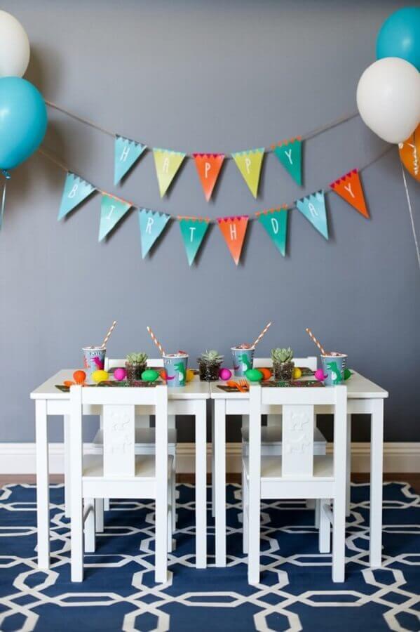 idea of modern decoration for simple dinosaur party Foto Tani Rosenda