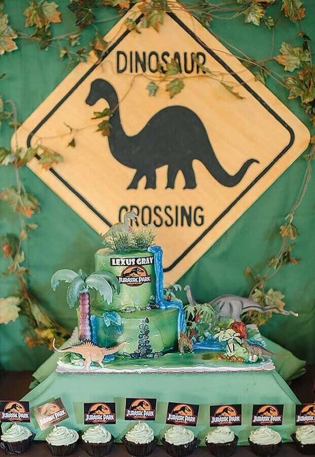 idea of decoration for dinosaur party Foto Baby and Breakfast