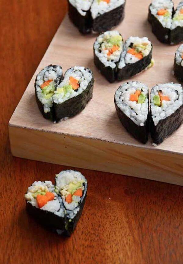 Ideias para dia dos namorados em casa com jantar romântico