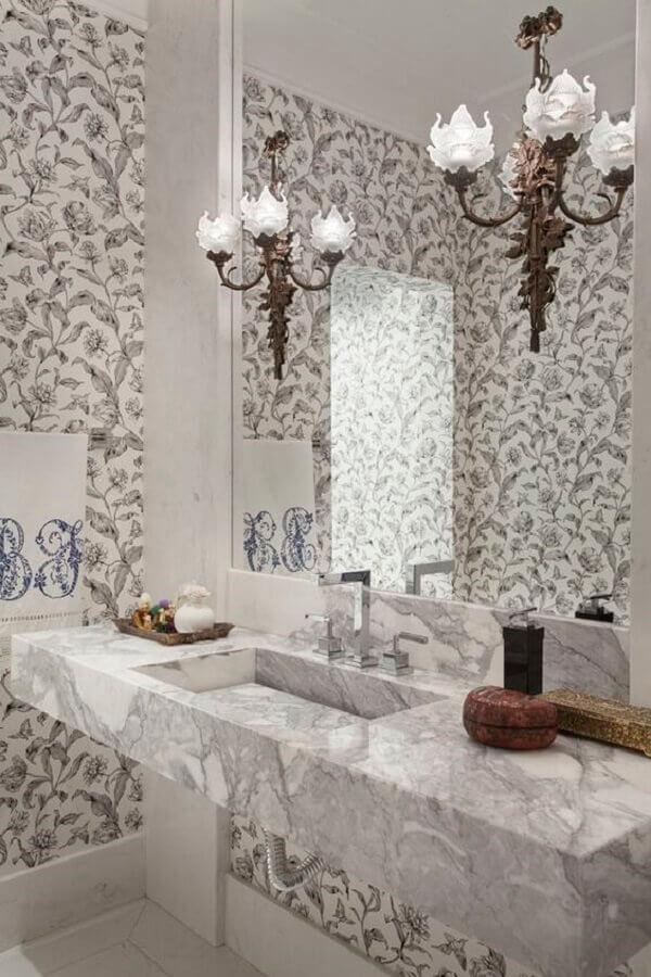 lustre para espelho de banheiro com design provençal Foto Casa Vogue