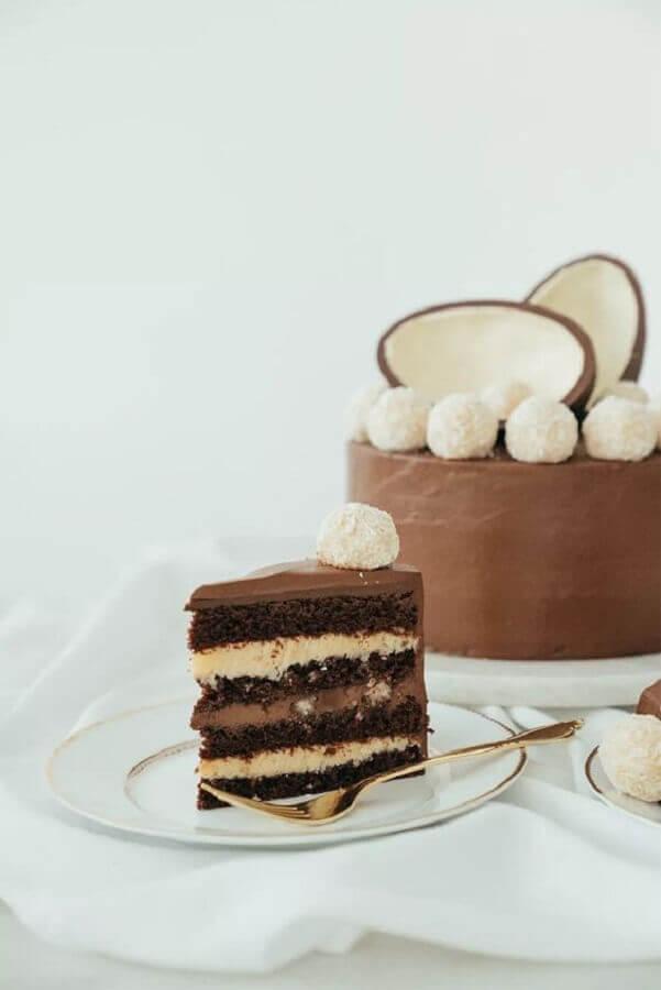 modelo de bolo de ovo de páscoa decorado Foto Danielle Noce
