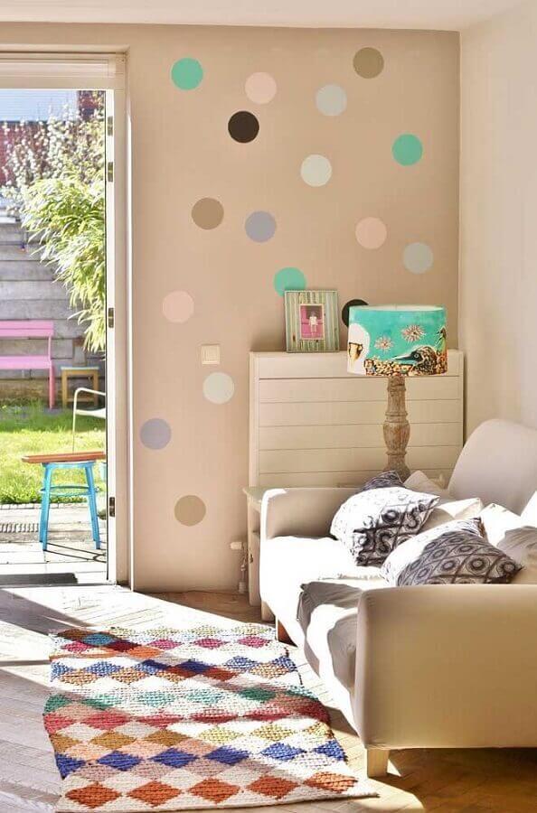 modelo simples de tapete de crochê para sala com detalhes coloridos Foto Deavita