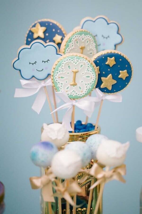 biscuit lollipops for christening Foto Jazz Assessoria