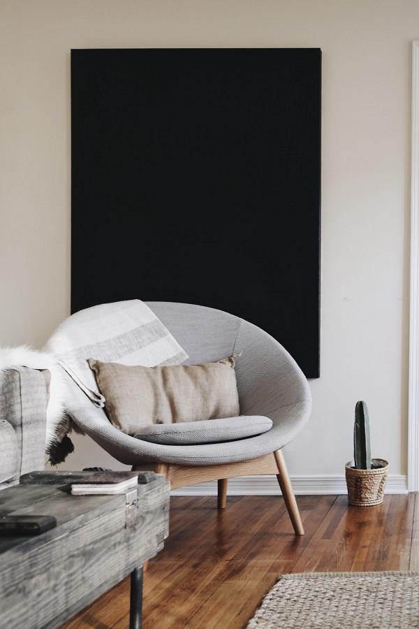 Poltronas modernas deixam a sala de estar ainda mais linda