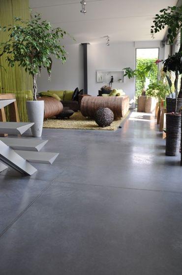 Porcelanato cinza escuro para sala moderna