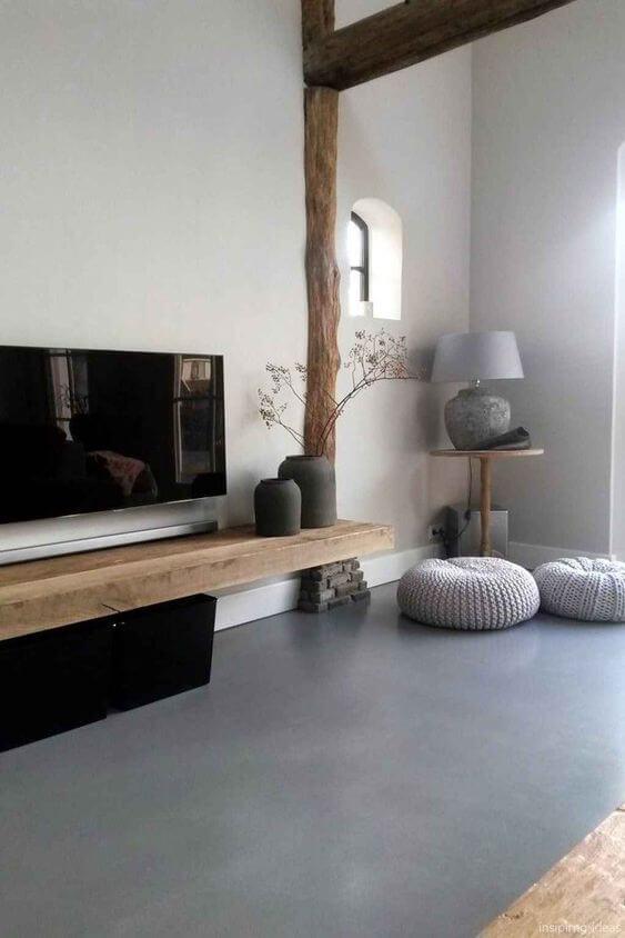 Porcelanato cinza combina muito com madeira