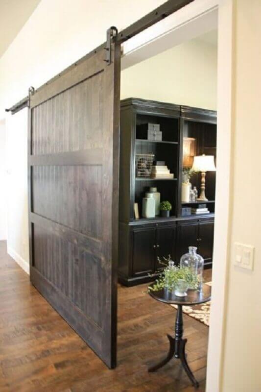 porta de madeira para sala com acabamento rústico Foto Pinterest