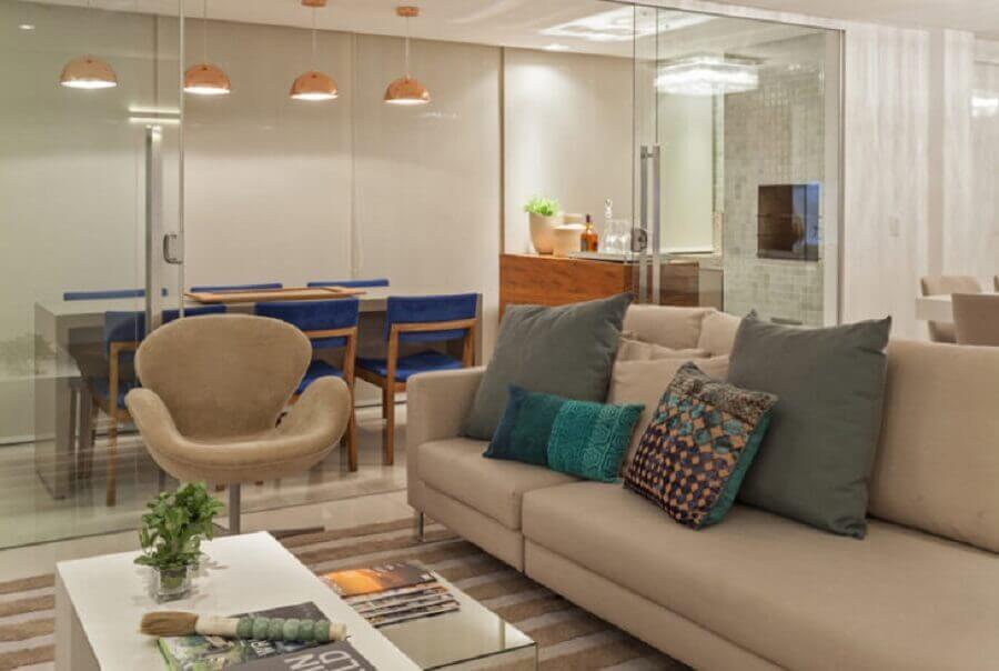 porta de vidro para sala de estar com sala de jantar Foto Carmen Calixto