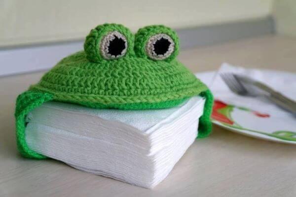 Porta guardanapo de crochê em formato de sapo