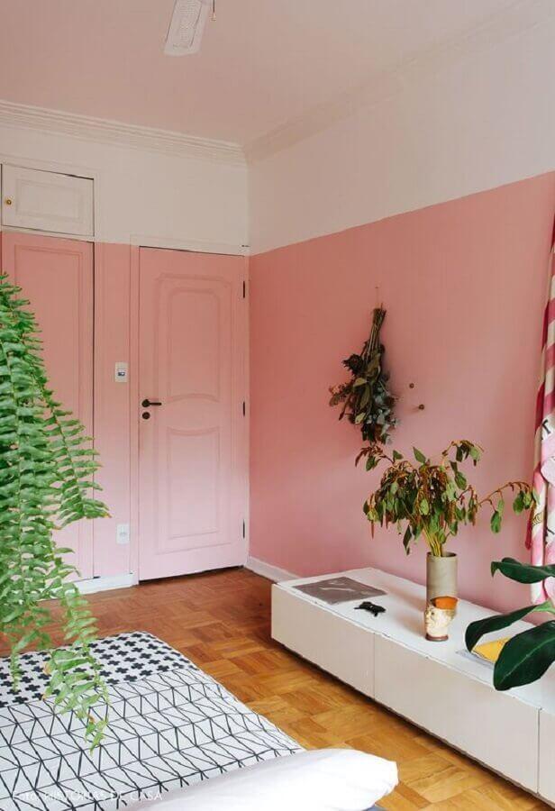 porta para sala pintada de rosa Foto Histórias de Casa
