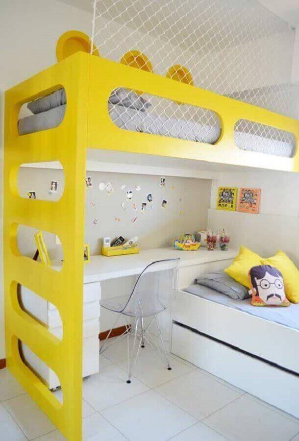 quarto amarelo e branco planejado com escrivaninha Foto Pinterest