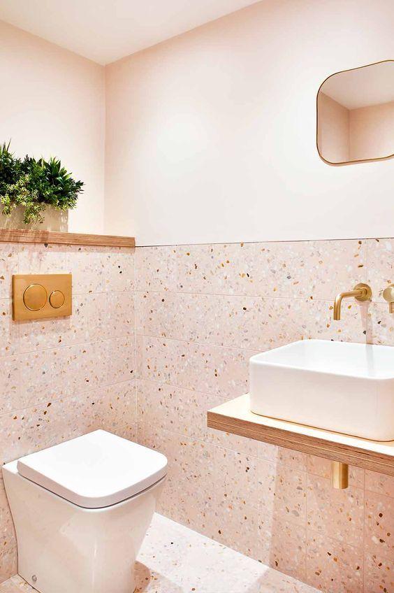Revestimento granilite para banheiro cor de rosa