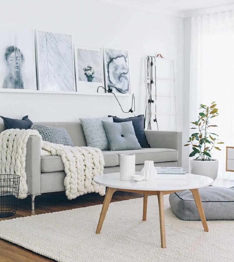 tapete de crochê para sala grande decorada em tons de cinza Foto Ponto & Prosa Artesanato