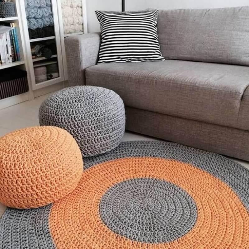 tapete para sala de crochê cinza e laranja redondo Foto Pinterest