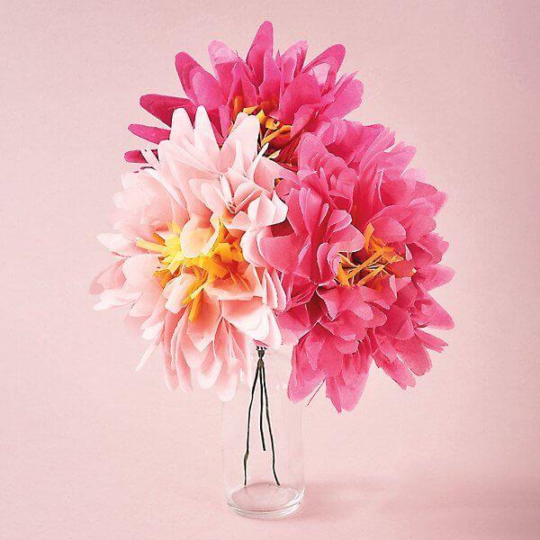 Decore sua casa com as lindas flores de papel de seda cor de rosa