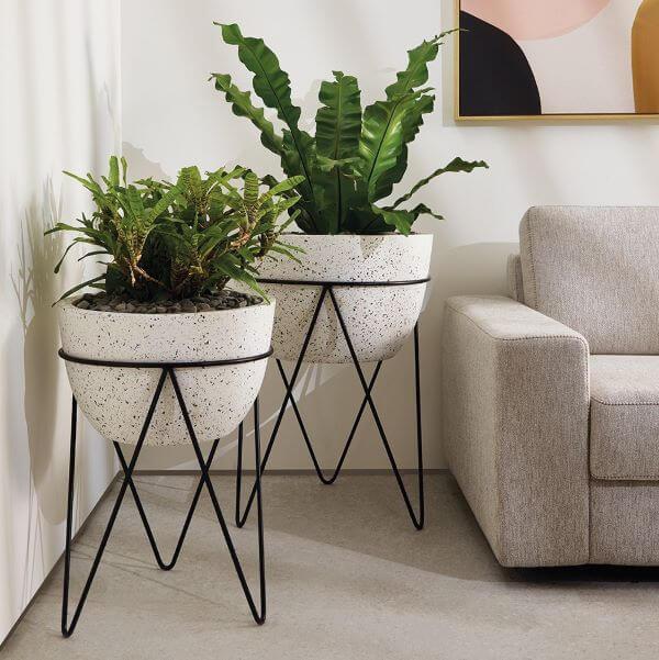 Vasos de granilite para decorar sala clássica