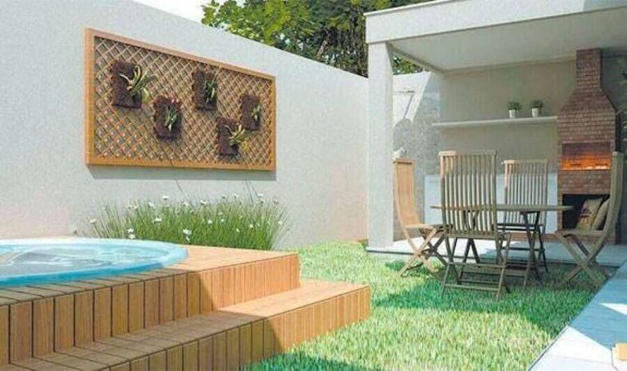 área gourmet externa simples com piscina e pequeno jardim Foto Decoração e Arte