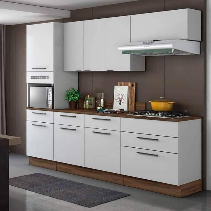 A cozinha modulada pode ser encontrada em diferentes cores e acabamentos. Fonte: Pinterest
