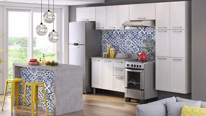 Algumas cozinhas moduladas apresentam a opção com armários aéreos. Fonte: Itatiaia