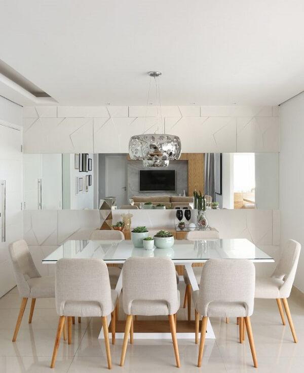Aprenda como cortar espelho em casa e transforme a decoração do seu ambiente