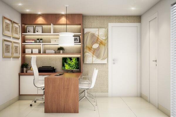 Aproveite as paredes do ambiente para incluir quadros