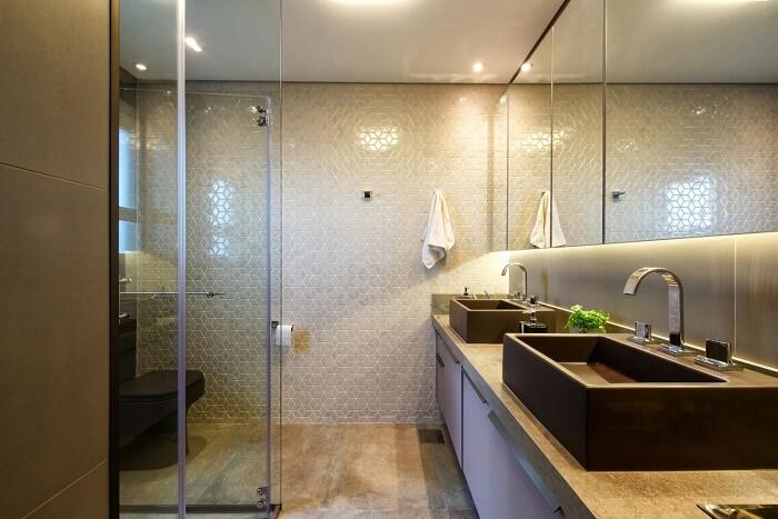 Banheiro compartilhado com espelheira. Fonte: 2MArquitetura e Interiores