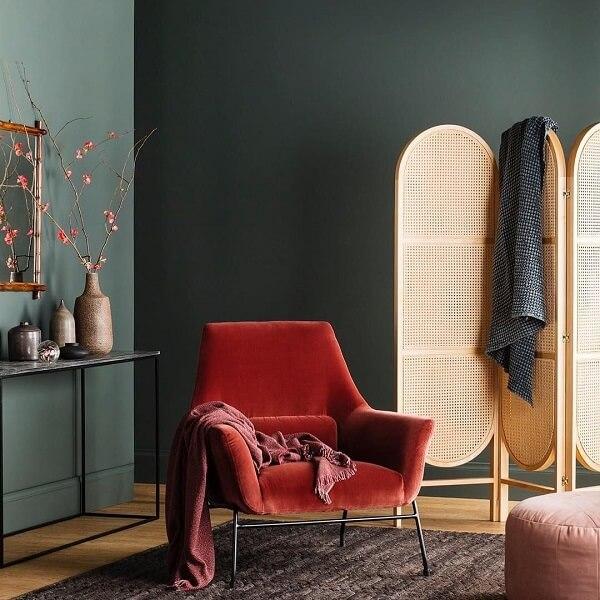 Biombo de madeira com design criativo