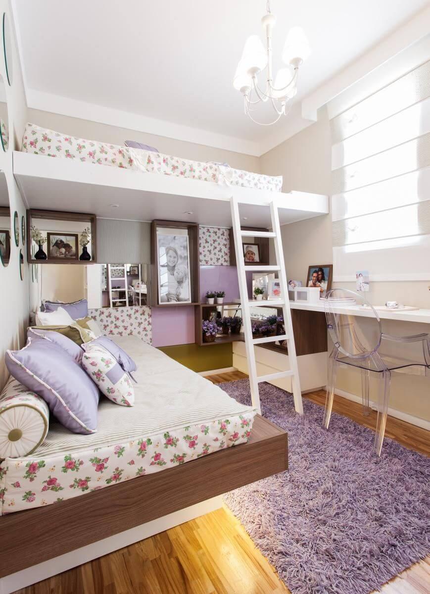Cama infantil com escrivaninha para o quarto