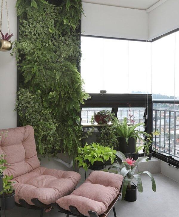 Complemente a decoração da varanda com uma linda poltrona costela