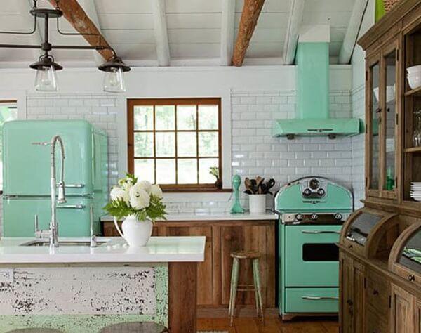 Cozinha vintage verde e branca
