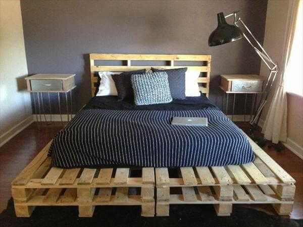 Decoração simples feita com cama e cabeceira de pallet