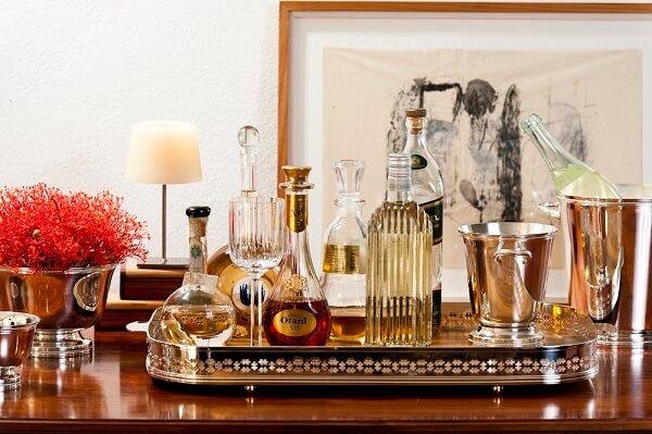 Escolha a bandeja do seu home bar que mais combina com a sua decoração