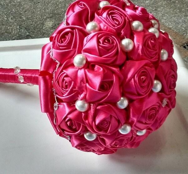 Flor de cetim buque de rosa