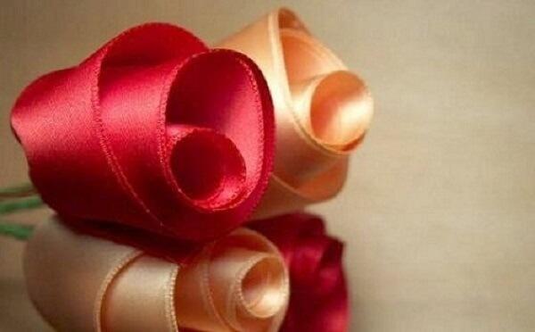 Flor de cetim rosa e laranja